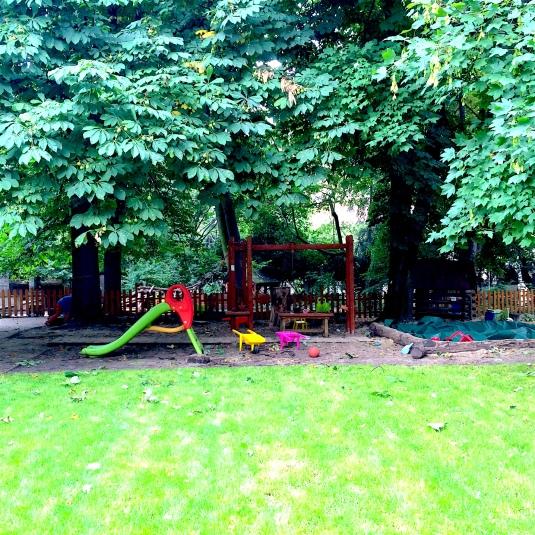 Sto Pociech, ogród