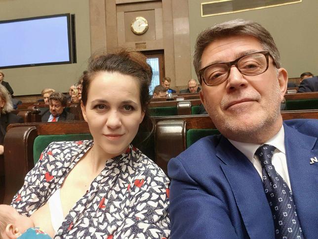 Kornelia Wróblewska karmi piersią w Sejmie